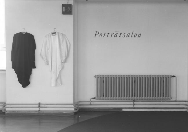 Installationsansicht, Porträtsalon